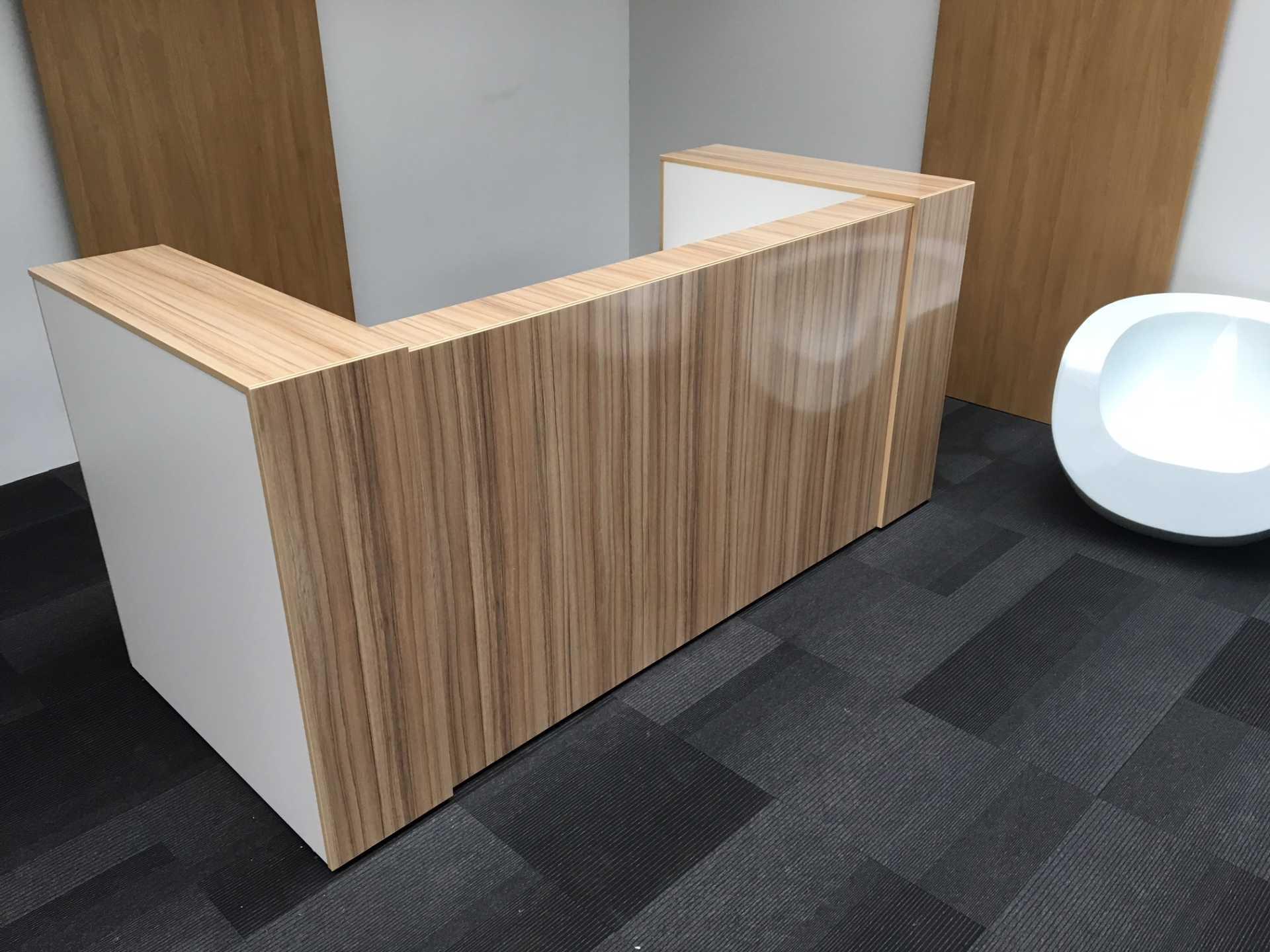 High Gloss Bespoke Reception Desk Counter